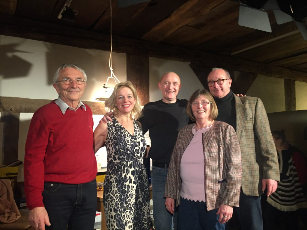 Unser Vorstand mit der Theatergruppe LaFiBo nach ihrer gelungenen Vorstellung im Januar